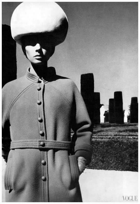 jennifer-oneill-photo-helmut-newton-1965-sept-vogue-uk